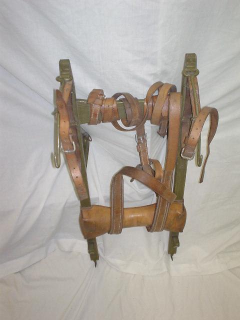 Ancien rack Suisse en bois