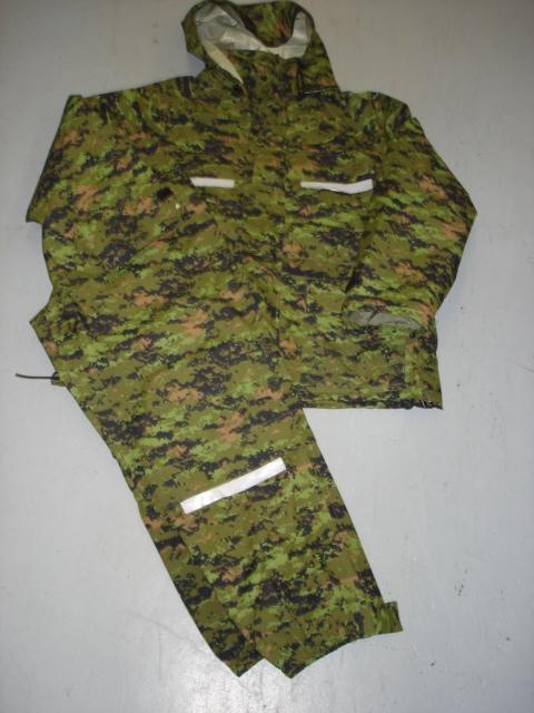 Ensemble airforce digital Canadien en breathex (Goretex)