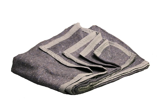 Recycled fiber blanket with polyester trim
