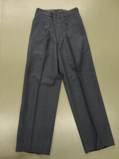 Pantalons d'officier en laine.